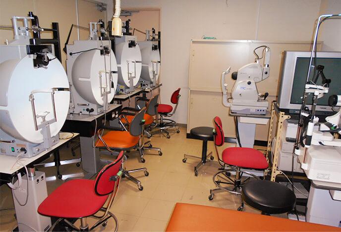 眼底検査室
